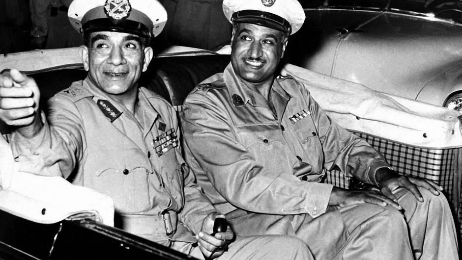 Dix ans plus tôt, En 1954, Nasser, alors numéro 2 du régime, profitait d'une tentative d'assassinat providentielle contre lui pour écarter son rival, le président Naguib. GETTY IMAGES